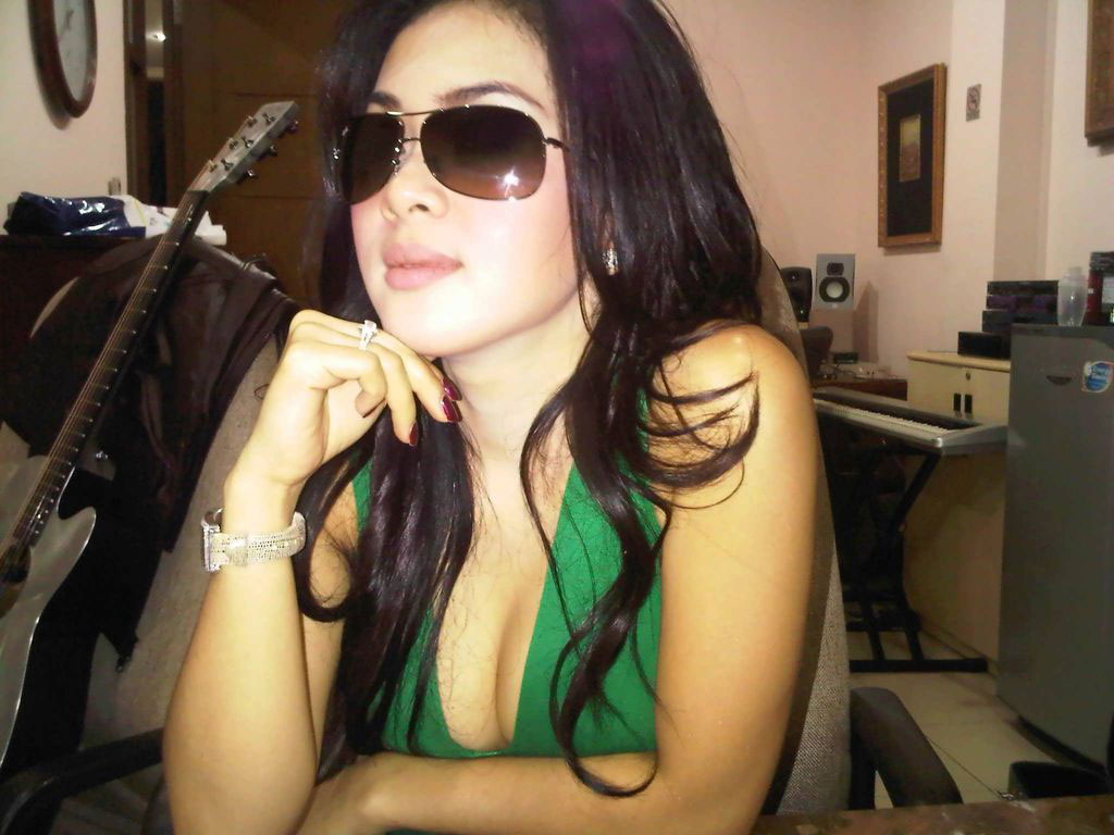 artis-indonesia-images-sex-teen-party