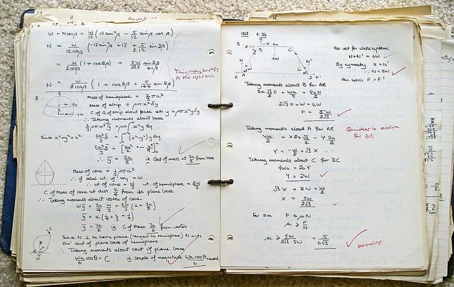 Model Regresi Linear Tiga Variabel