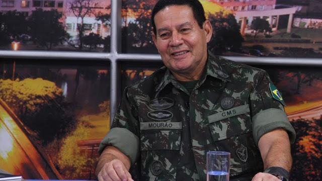 """General fala em """"intervenção"""" do Exército caso a Justiça não retire corruptos da """"vida pública""""."""