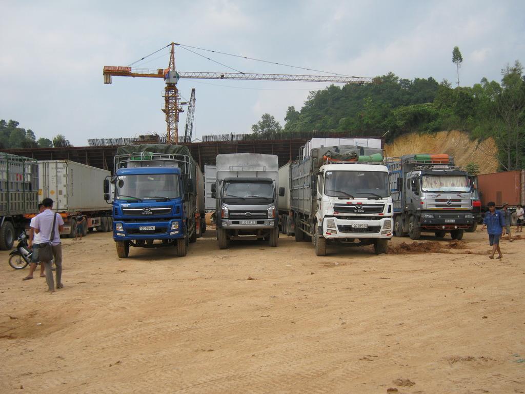 Dịch vụ vận tải đường bộ nội địa/quốc tế