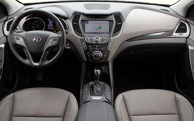 Hyundai Santafe được trang bị rất nhiều tiện nghi cao cấp