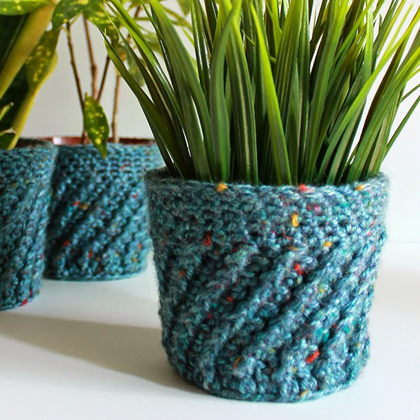 Spiral Crochet Planter Cover | The Inspired Wren