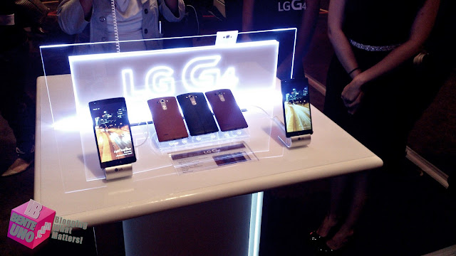 LG G4 Demo Units during the Launch in SOLAIRE