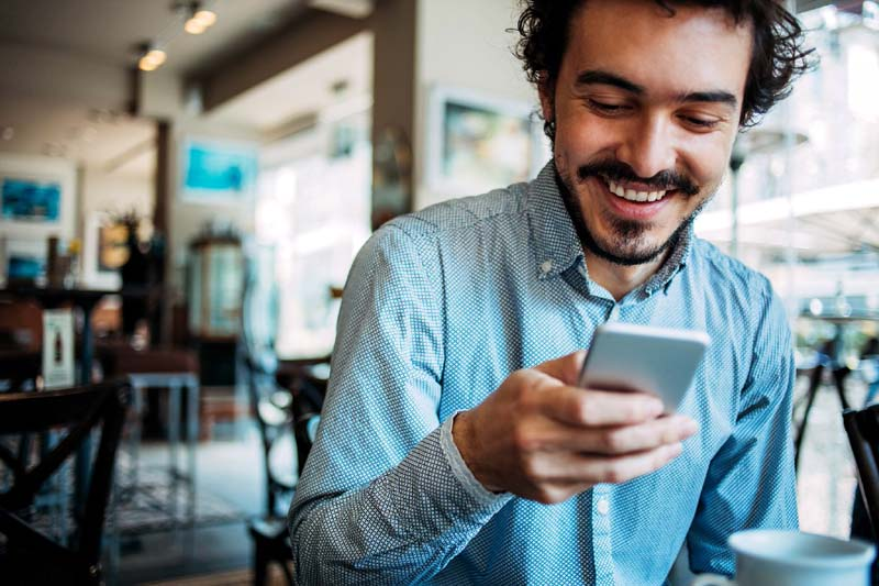 This Is Exactly How Long You Should Wait to Text After a First Date