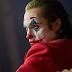 Joaquin Phoenix deixa entrevista após pergunta polêmica