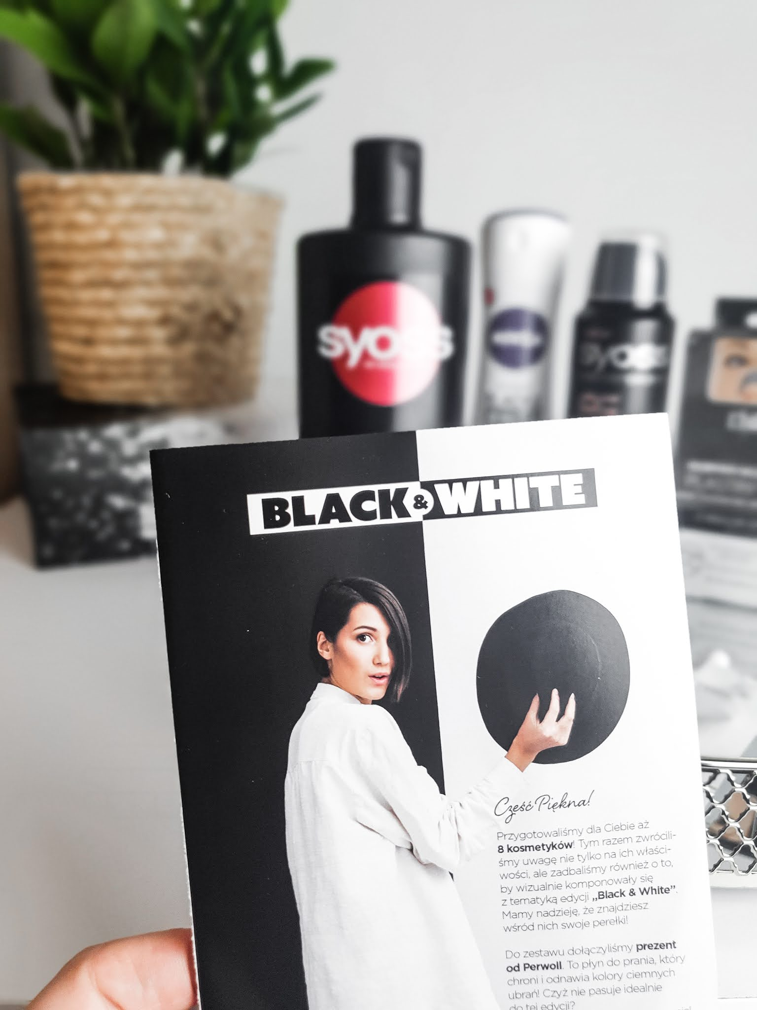 Black & White - BeGlossy - listopad 2020