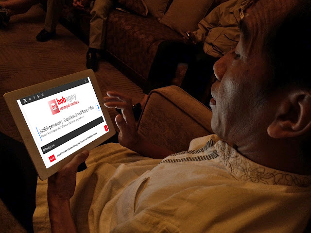 Jokowi: Hati-hati Kalau Membuat Status