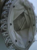 bolso con cierre a corchetes