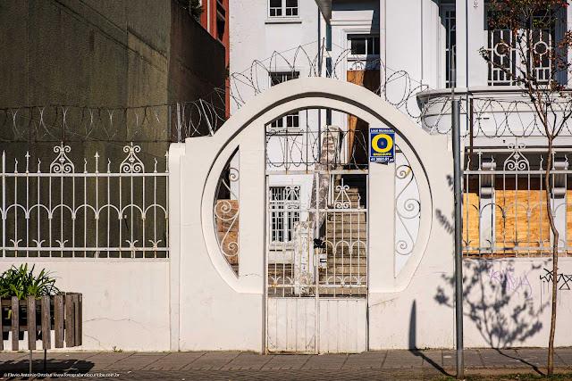 Casa na Alameda Doutor Carlos de Carvalho - detalhe portão