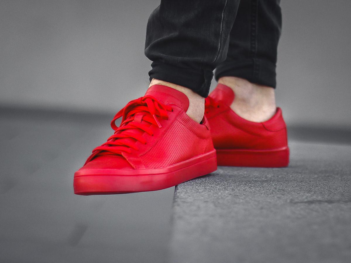 Online Und Uns Gut Court Im Adidas Bei Vantage Shop Erhältlich Originals Sortiert Red Ist Der Store n7OwRqTT