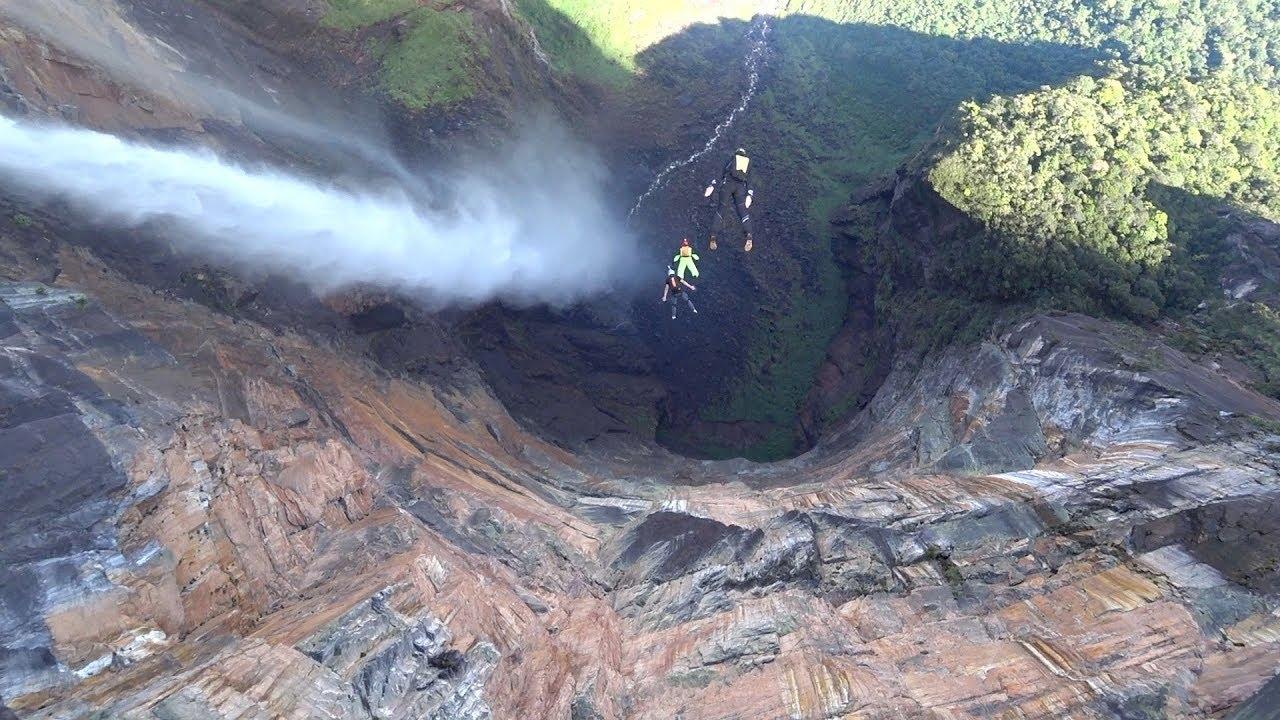 Гора Ауян-тепуи и водопад Анхель
