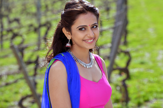 Actress Rakul Preet Singh Hot looks