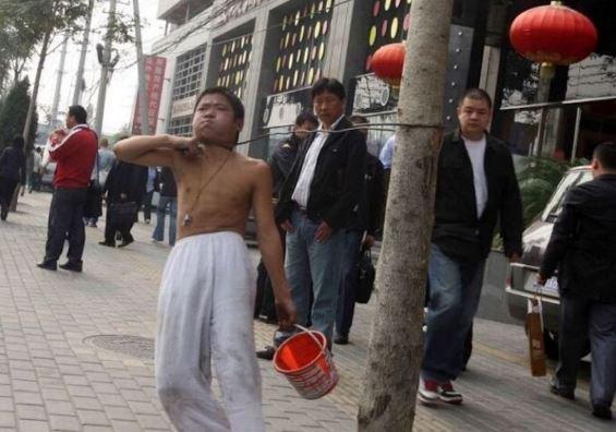 Cara Ekstrem Pengemis Kanak-kanak Di China Mengemis