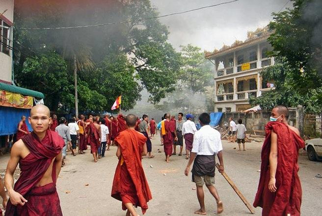Anak Gus Dur Samakan Biksu Budha Ekstrimis Myanmar dengan FPI?