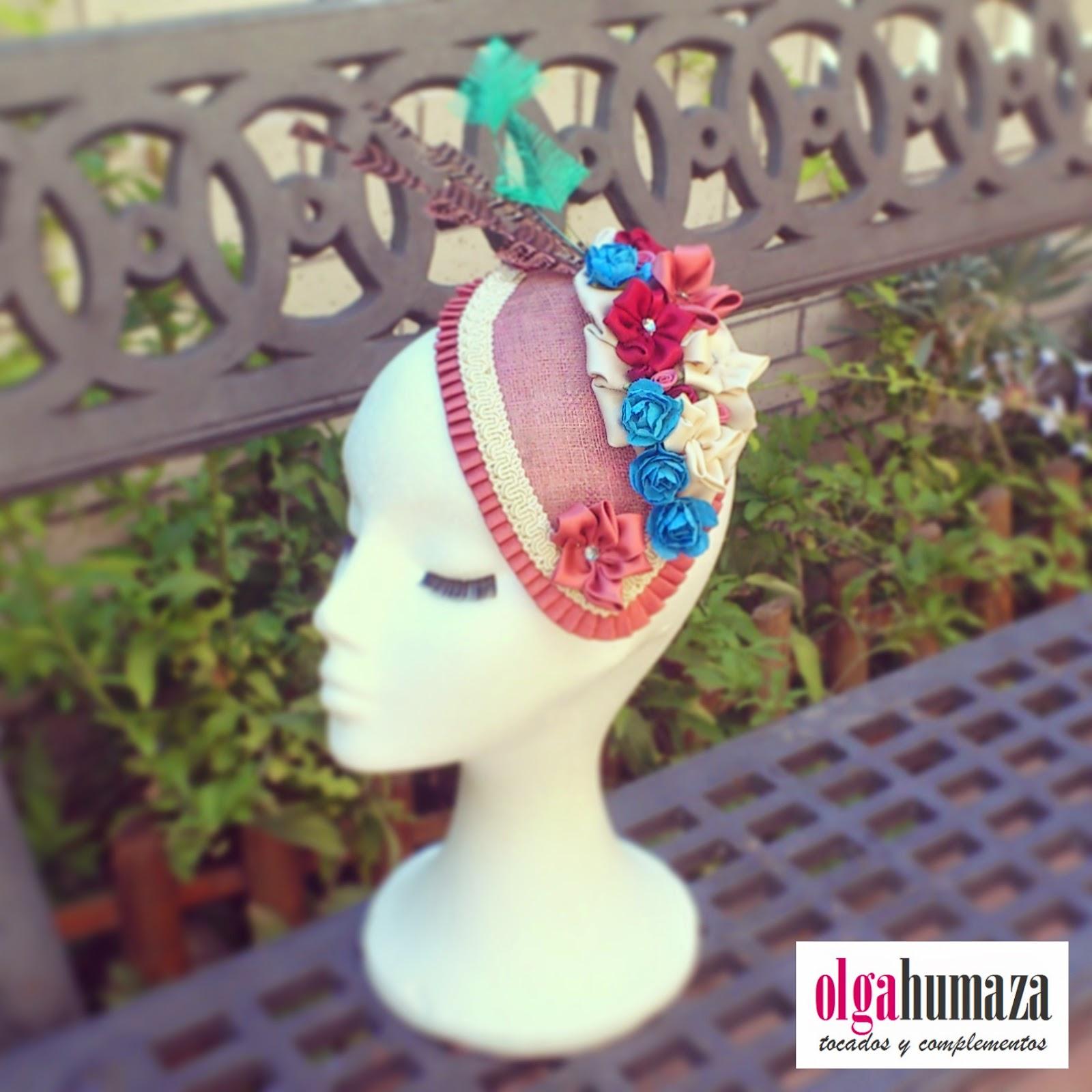 http://olgahumaza.blogspot.com.es/2014/07/b52-tocado-vintage-en-rosa-palo-y.html