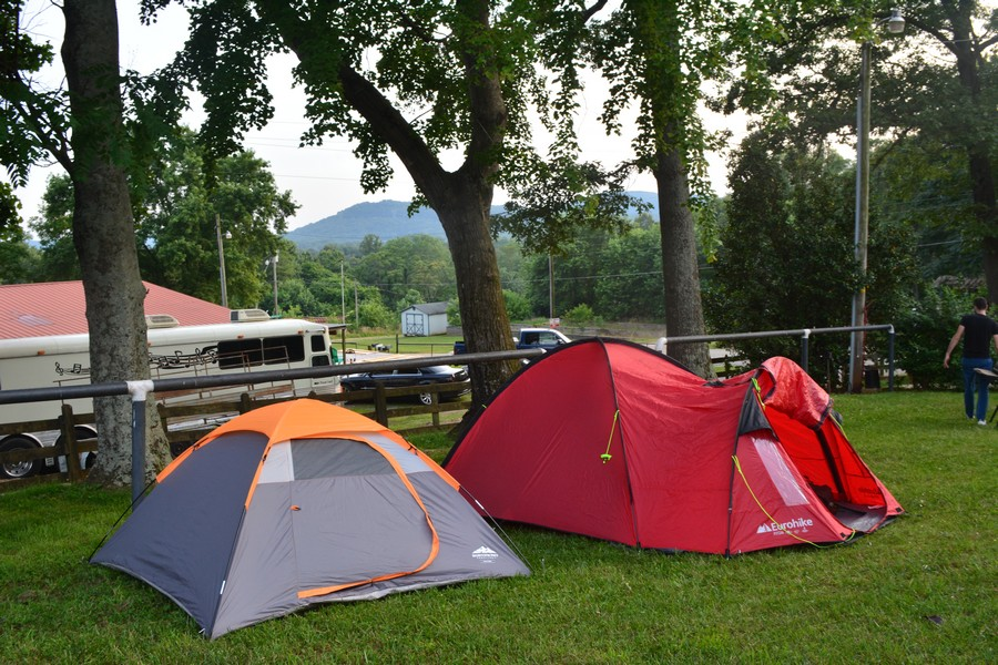 Camping Trail Buster avec vue Love Valley