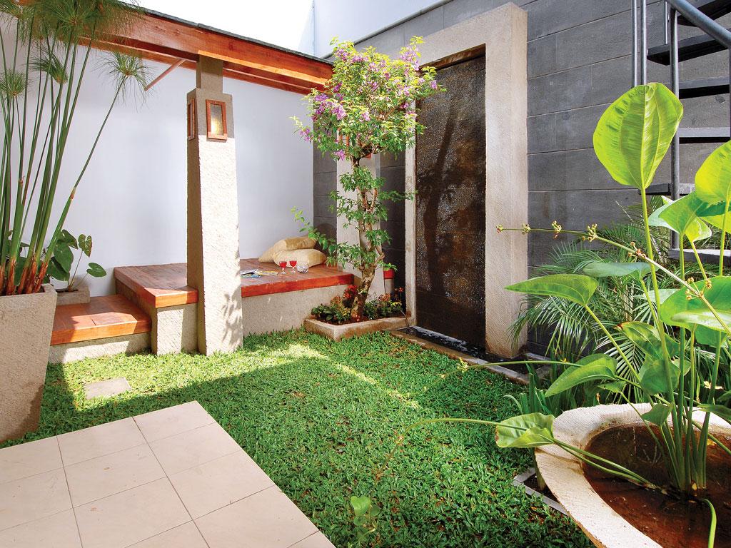 taman rumah ukuran kecil