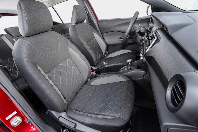 Nissan Kicks S CVT Automático 2018 - Interior