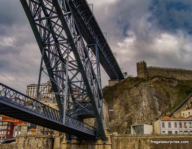 Porto: a Muralha Fernandina (medieval) e a Ponte Luís I