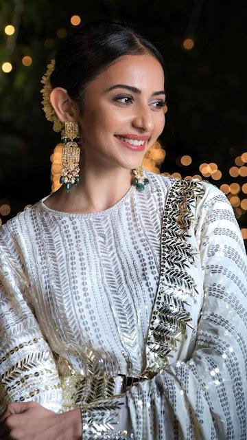 Beautiful Kurta Looks Of Rakul Preet Singh HD Wallpaper