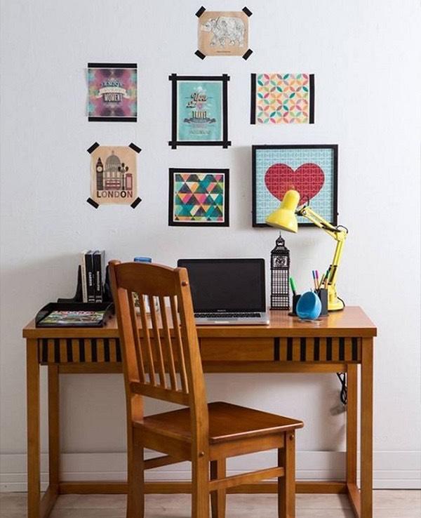 Crie um mural de fotos com fita isolante: