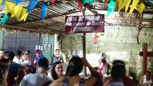 """Mucambo-CE: Feira de Artesanato Artes e Negócios chama atenção com uma """"Casa de Farinha"""""""