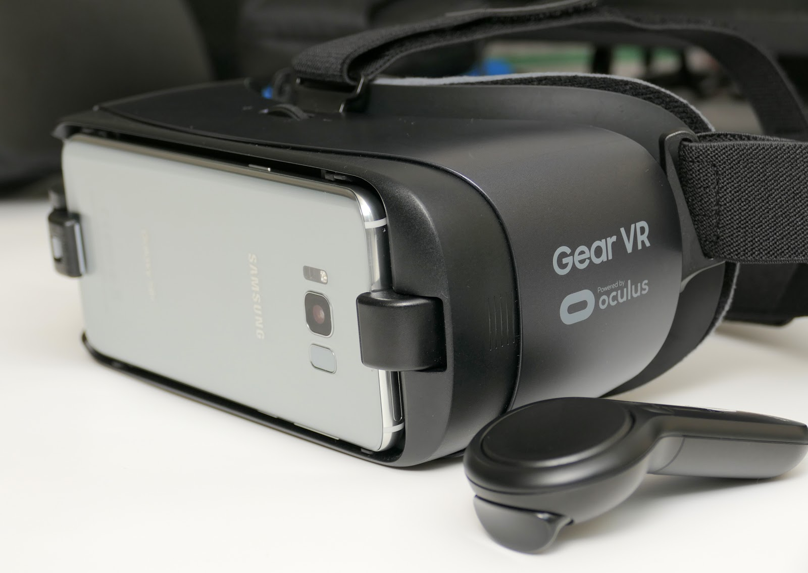 2017 Samsung Gear VR Review: differences from 2016 Gear VR and Google Daydream; Samsung S8 vs ...