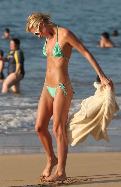 Dare once paris hilton bikini pics have advised
