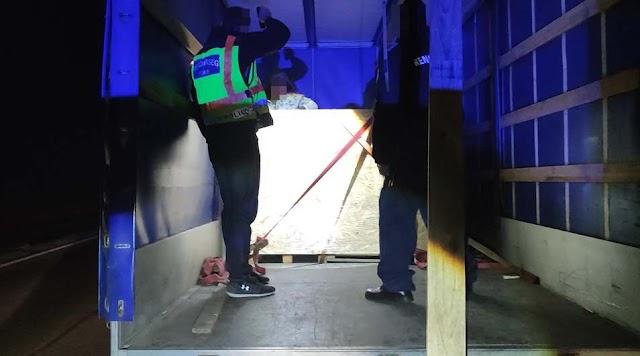 Tizenhárom határsértőt és egy embercsempészt fogtak el Kondorosnál