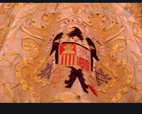"""Una hermandad de Ceuta, obligada a pedir donativos para retirar del manto de la Virgen el escudo """"franquista"""""""