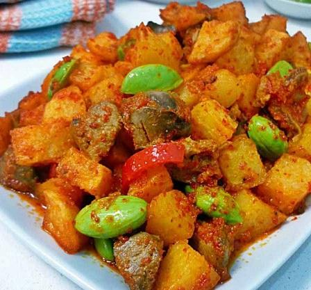 Indoneesian Spicy Side Dish Spices Fried Potatoes With Petai Recipes Resep Sambal Goreng Kentang Indonesia Masterspice