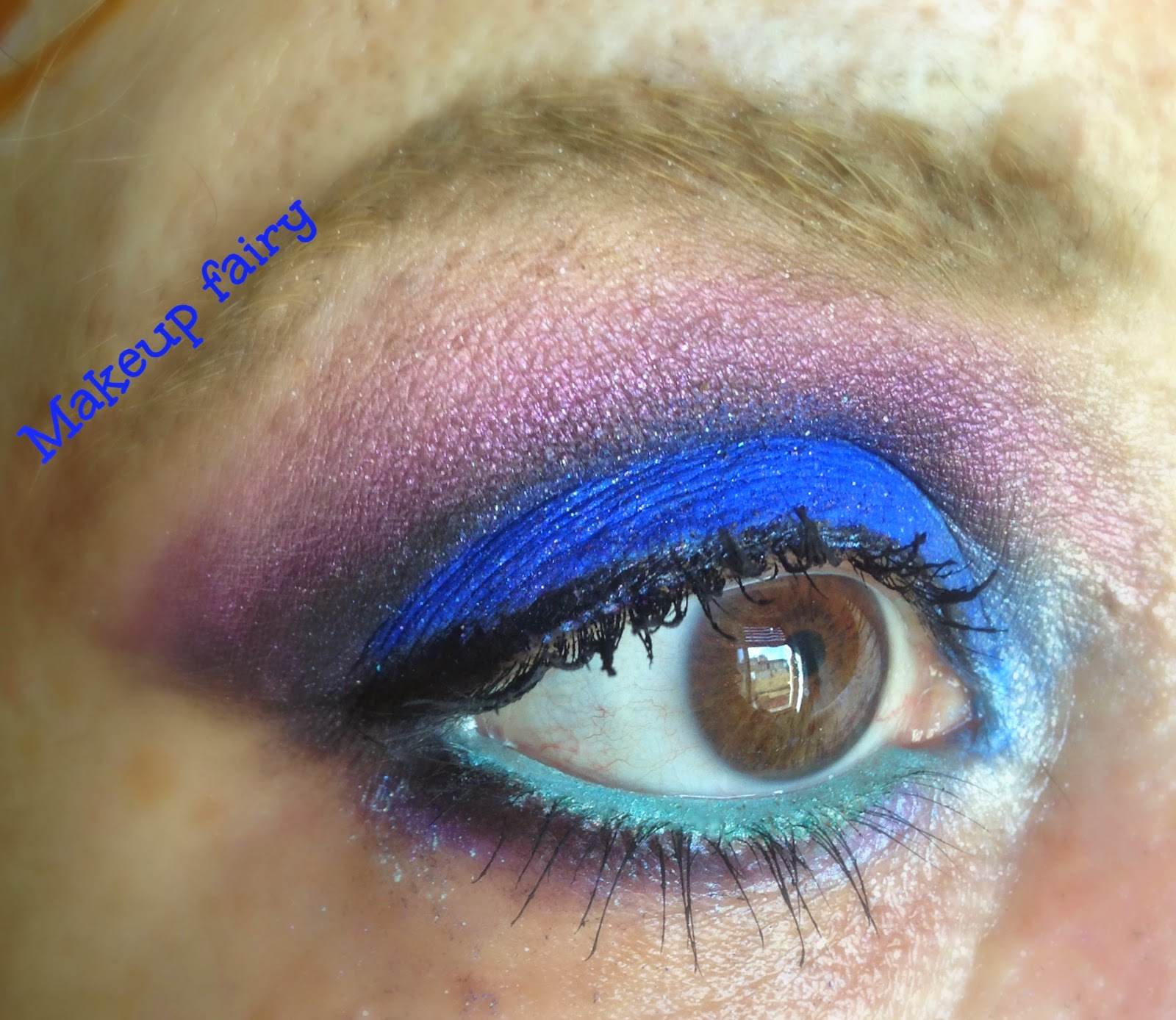 Blue eye makeup looks