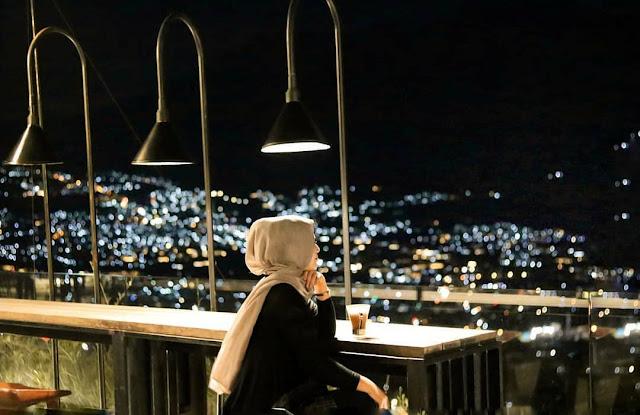 Fifteen Celcius Skylounge Amart Hills Hotel & Resort Batu