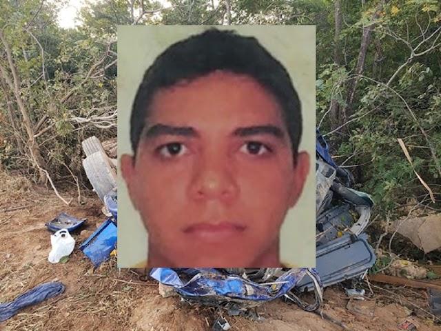 Barreiras-BA: Caminhão carregado tomba e motorista morre preso nas ferragens