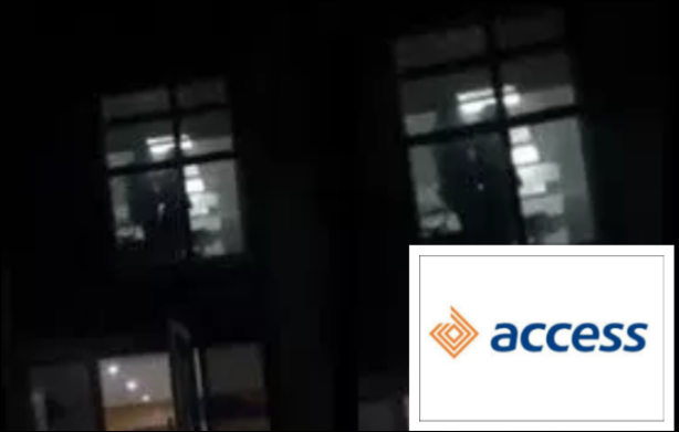 Viral Video shows two Access Bank Staff Having S e x In Office (Video)-olowublog