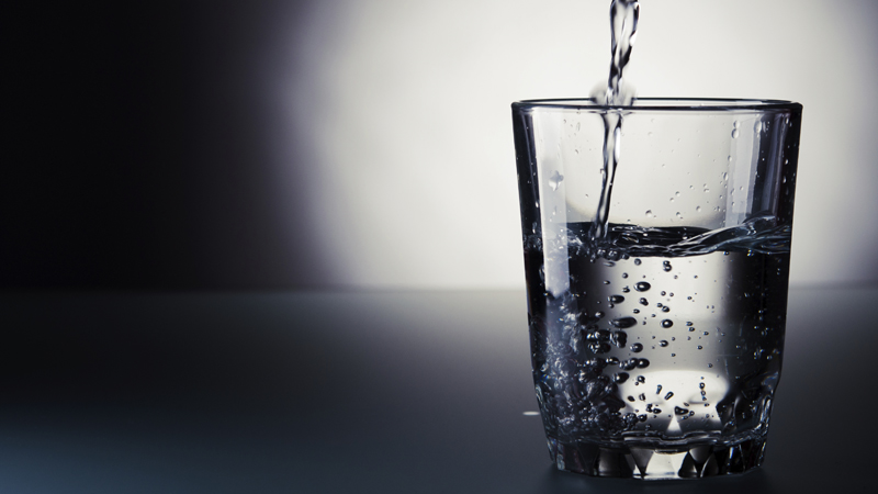 Mau Tau Cara Deteksi Aura Negatif Diumah Dengan Segelas Air?