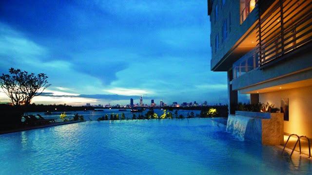 Hồ bơi tràn muối khoáng tại căn hộ Đảo Kim Cương