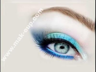 مكياج عيون زرقاء