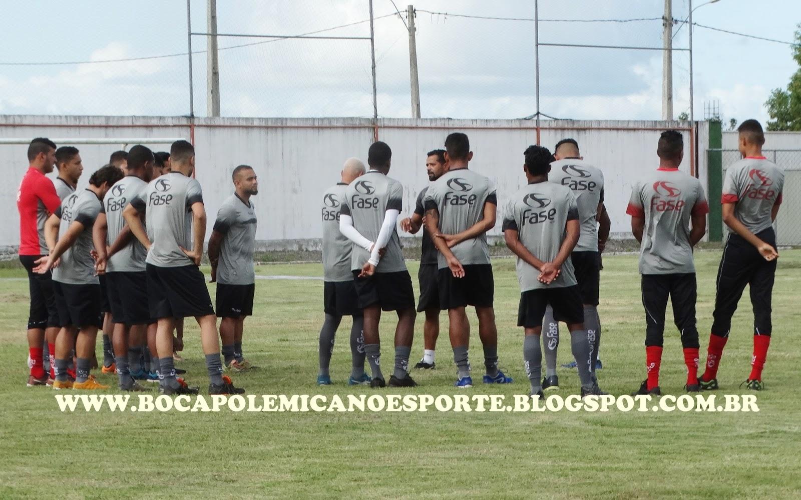 Portela Teixeira de Freitas se apresentou para disputa do Campeonato ... dfadd6b98c4dd