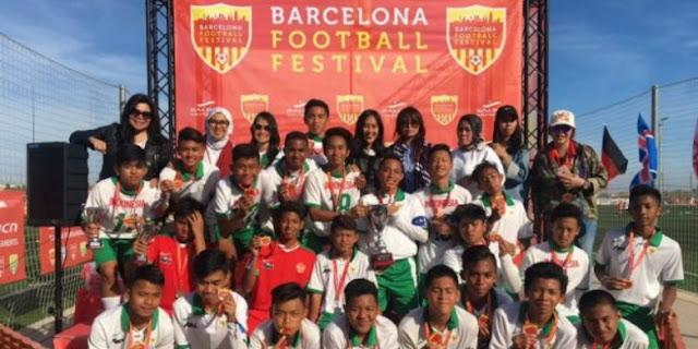 LUAR BIASA!! Anak-anak Indonesia Juara di Barcelona, Spanyol