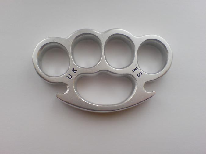 Weaponcollector 39 s knuckle duster and weapon blog ladies for Brass knuckles template