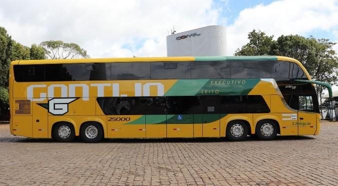 Scania entrega quatro ônibus 8x2 de 15 metros para a Gontijo