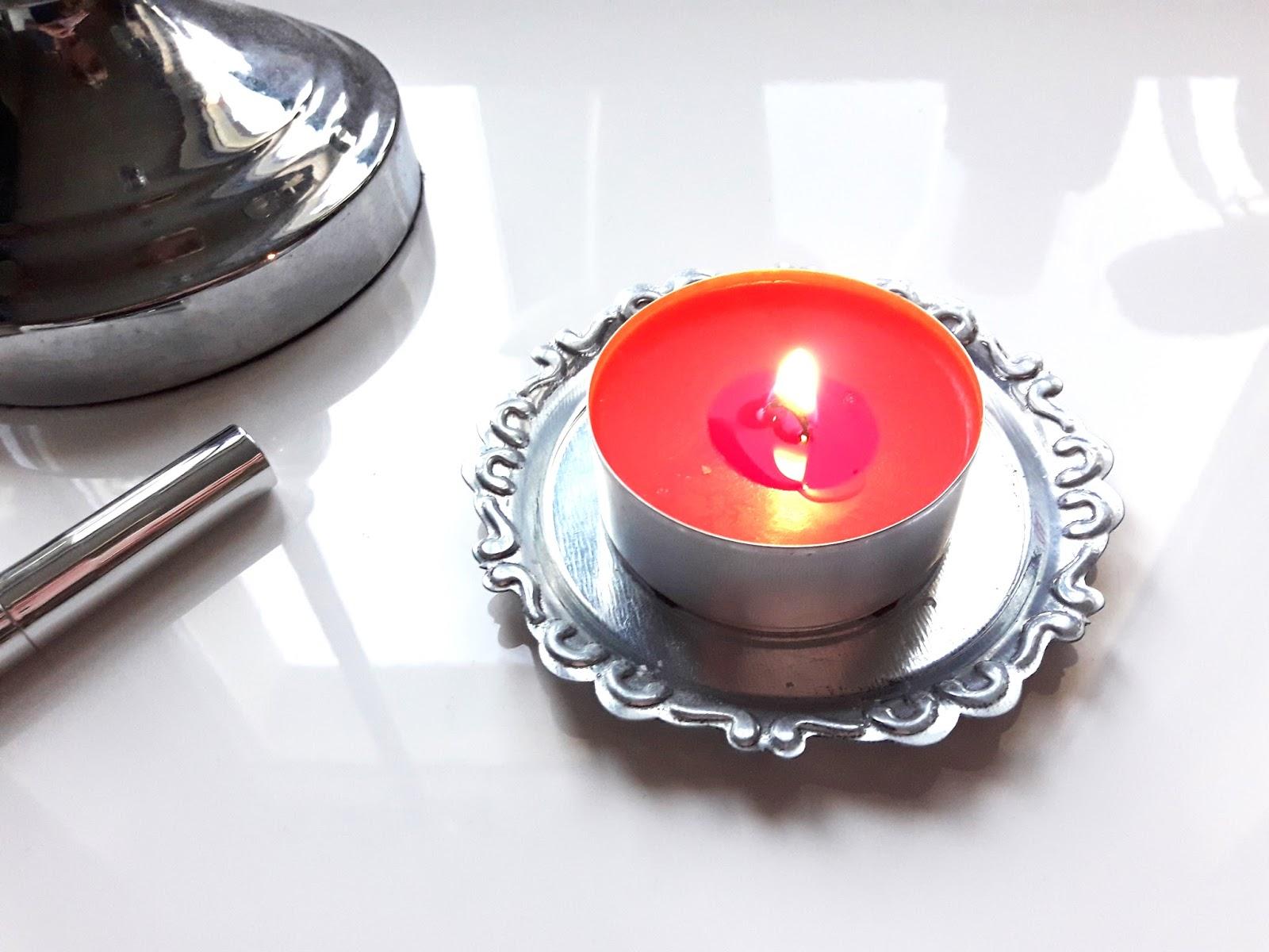 Podstawka na świece i świeczka