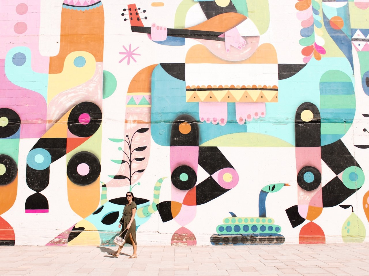 The Most Instagrammable Places in Dubai - Ruben Sanchez Mural JLT