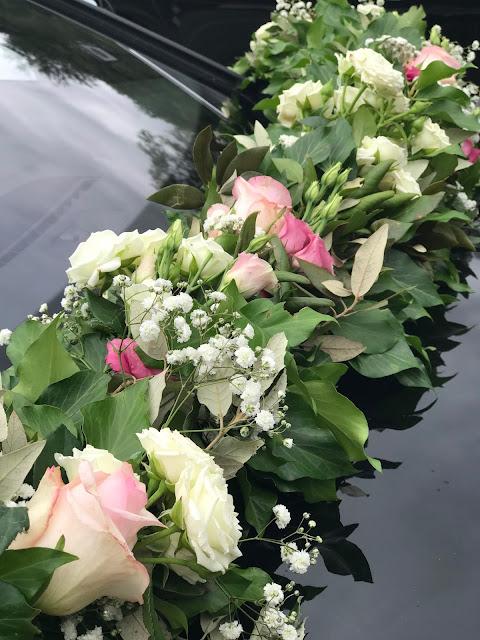 Blumengirlande, Hochzeit, , Riessersee Hotel, Garmisch-Partenkirchen, Bayern, Vintage, Rosen, Schleierkraut, Rosa, Pink, See und Berge