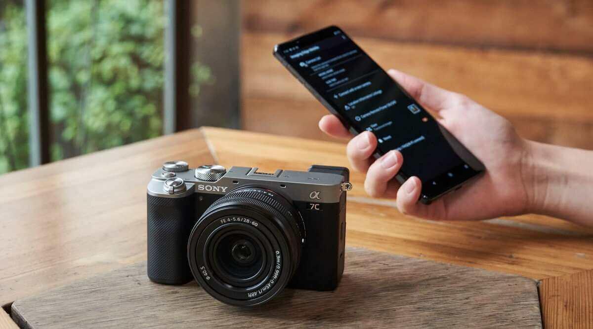 sony-baru-saja-meluncurkan-kamera-full-frame-terkecil-di-dunia