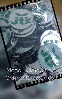 bikin medali wisuda JTS di Jakarta selatan