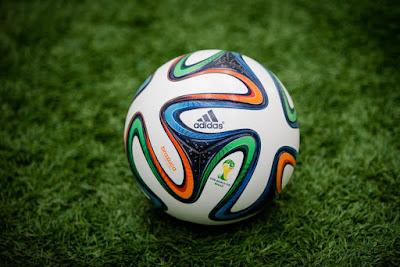 Brazuca a bola  oficial da copa de 2014.