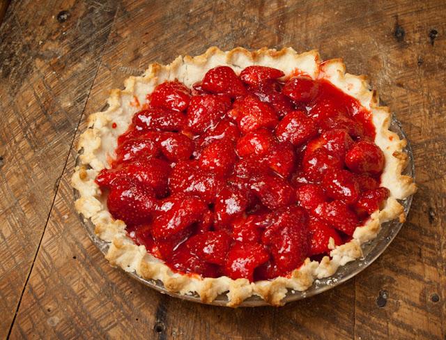 Springtime Fresh Strawberry Pie