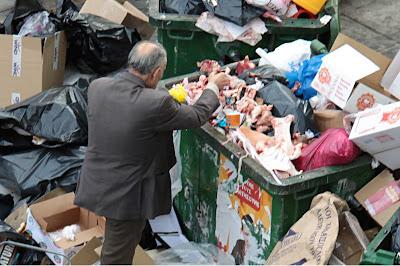 Αποτέλεσμα εικόνας για πεινασμένοι ελληνες